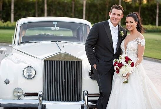 LOOK: Rizzo gets married, former Cubs reunite