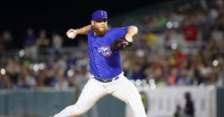 Cubs officially add Craig Kimbrel to roster, option middle reliever