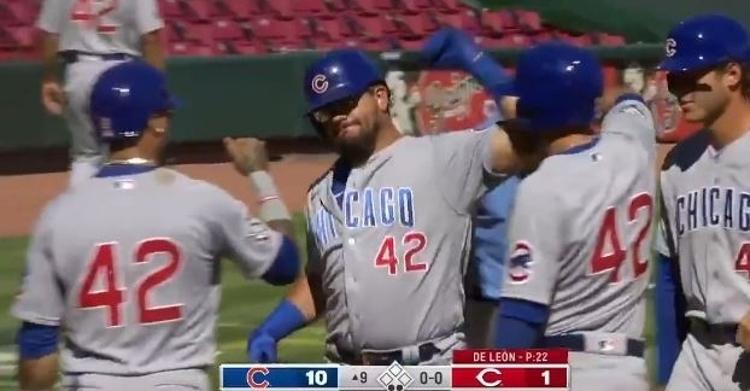 WATCH: Kyle Schwarber blasts 444-foot grand slam, Cubs set MLB record