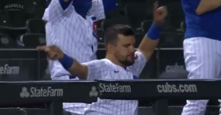 Kyle Schwarber likes to have fun in the dugout