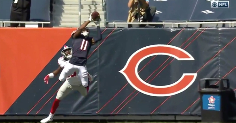 Darnell Mooney made a leaping grab in the end zone, putting the Bears up 17-0 on the Giants before halftime.