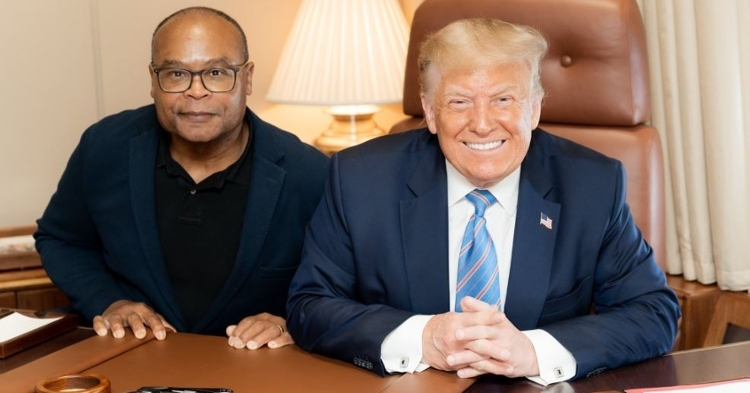 Two buddies hanging out in Mike Singletary and President Trump