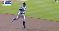 WATCH: Javier Baez, David Bote smack back-to-back home runs off former Cubs pitcher