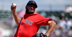 Cubs signing former Red Sox closer