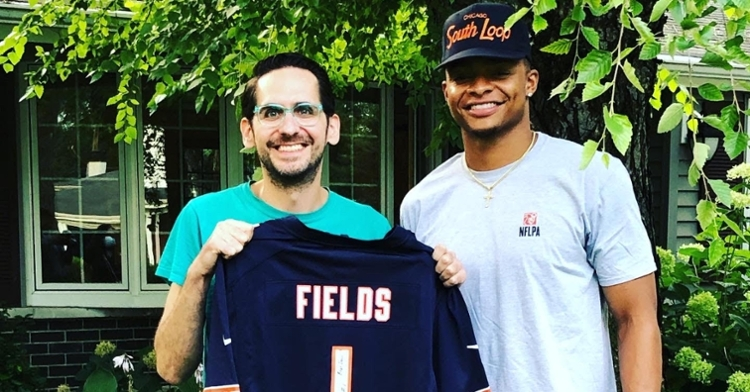 Justin Fields paid a surprise visit to gunshot survivor Scott Morrow and gifted him a jersey. (Credit: @scottjmorrow on Twitter)